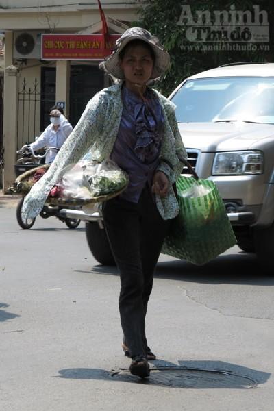 """Chùm ảnh: """"Nin-ja"""" trên phố phường Hà Nội ảnh 8"""