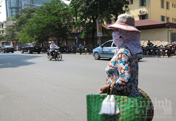 """Chùm ảnh: """"Nin-ja"""" trên phố phường Hà Nội ảnh 6"""