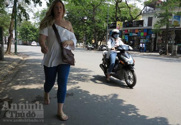 """Chùm ảnh: """"Nin-ja"""" trên phố phường Hà Nội ảnh 10"""