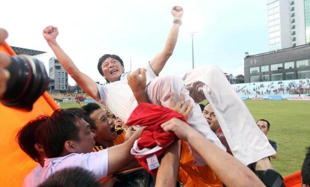 HLV Lê Huỳnh Đức xuất sắc nhất V-League 2012