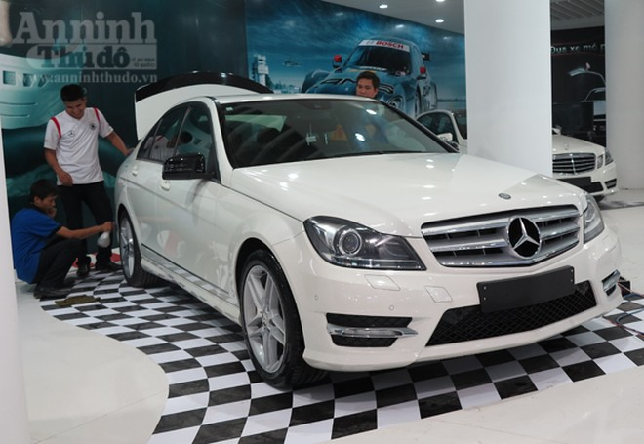 """Hé lộ """"Át chủ bài"""" các hãng, tại Vietnam Motor Show 2012 ảnh 16"""