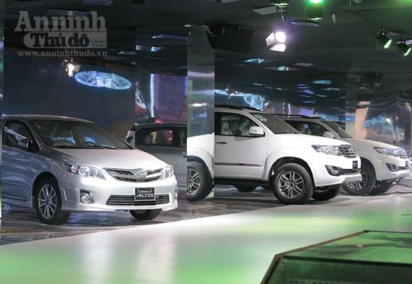 """Hé lộ """"Át chủ bài"""" các hãng, tại Vietnam Motor Show 2012 ảnh 8"""