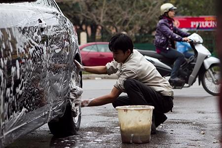 """Giá rửa xe ngày Tết luôn bị """"chặt chém"""" (Ảnh minh họa)"""