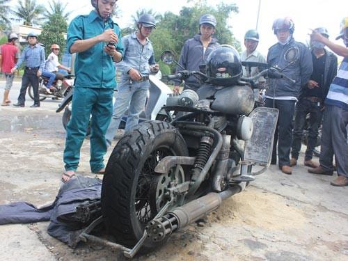 """Rớt vài giọt xăng, Harley Davidson 600 triệu bị """"hóa vàng"""" ảnh 2"""