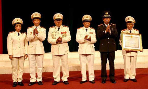 CLB sĩ quan hưu trí Bộ Công an 20 năm cống hiến và phát triển ảnh 1