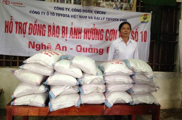 Toyota Việt Nam hỗ trợ đồng bào miền Trung bị bão lũ ảnh 4