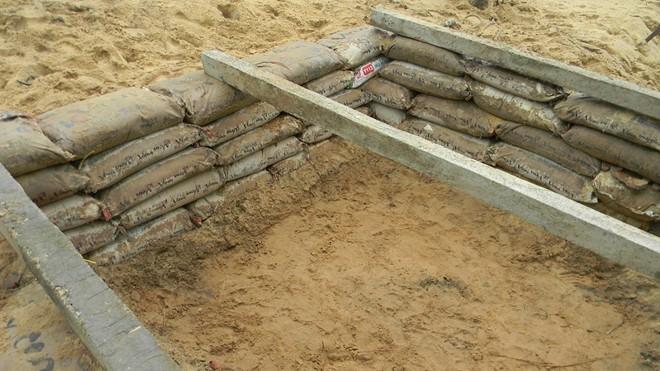 Dân đào hầm, quân đội đưa xe lội nước vào đối phó siêu bão Hải Yến ảnh 2