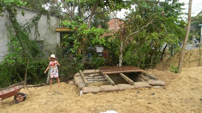 Dân đào hầm, quân đội đưa xe lội nước vào đối phó siêu bão Hải Yến ảnh 5