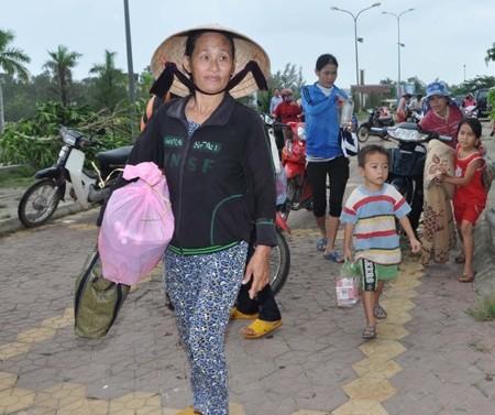 Đưa tin về bão Hải Yến, một nữ phóng viên tử nạn ảnh 1
