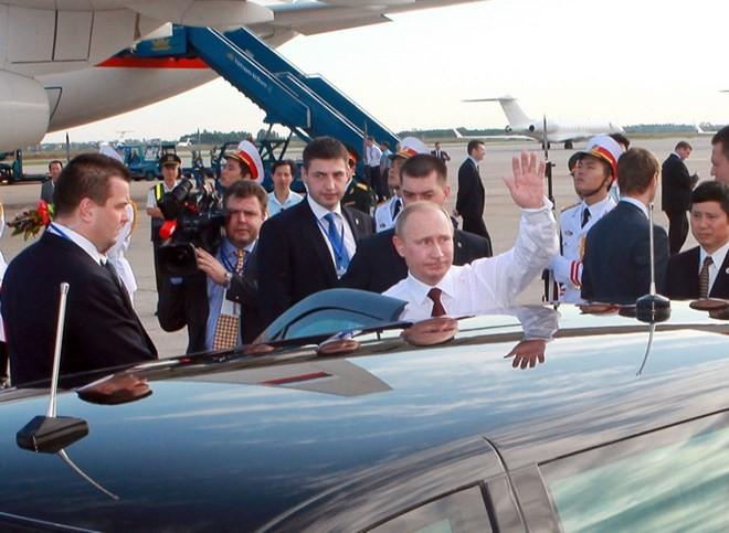 Chùm ảnh: Lễ đón Tổng thống Nga Vladimir Putin ở sân bay Nội Bài ảnh 4