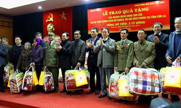 VietinBank trao hơn 4.000 suất quà Tết cho người dân tỉnh Sơn La ảnh 2