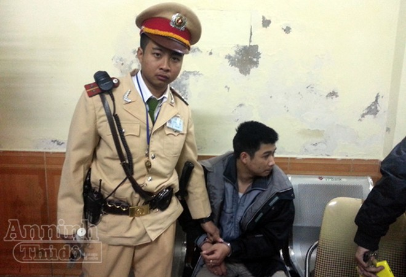 Trung úy CSGT mưu trí bắt cướp ảnh 1