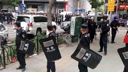 Dân Trung Quốc hoang mang tột độ sau vụ nổ lớn ởTân Cương ảnh 1