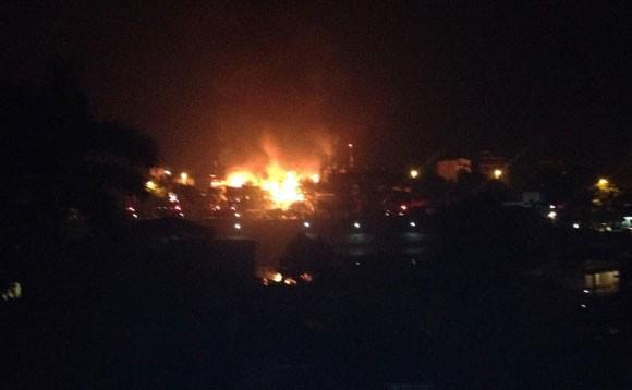 Hà Nội: Luxury Club cháy ngút trời giữa đêm khuya ảnh 4