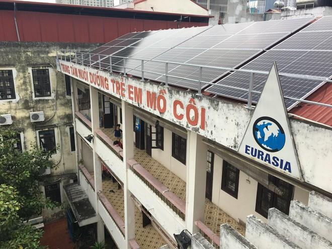 Piaggio Việt Nam đồng hành cùng Dự án từ thiện 'Điện năng lượng mặt trời' ảnh 2