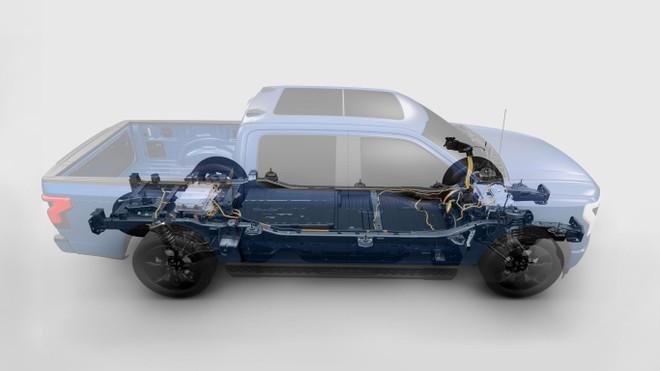 Xe bán tải F-150 Lightning điện, 'khủng long' thông minh xuất hiện ảnh 4