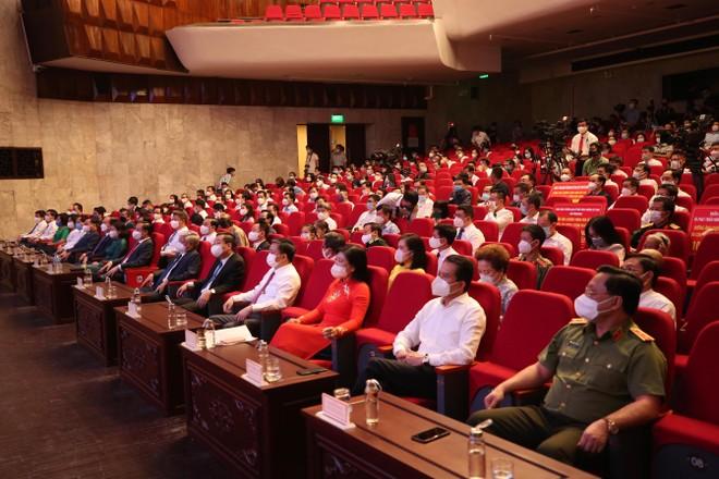 Tập đoàn Sun Group ủng hộ thành phố Hà Nội 55 tỷ đồng mua vắc-xin phòng chống Covid-19 ảnh 3