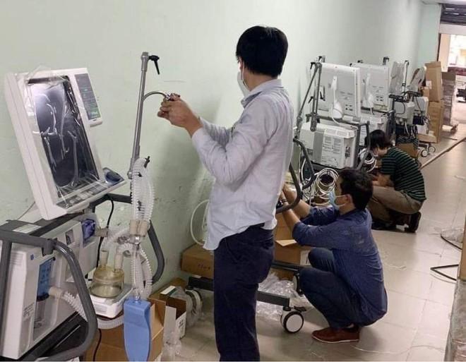 VPBank hỗ trợ gấp 715 máy hỗ trợ hô hấp hiện đại cho các tỉnh, thành phía Nam ảnh 1