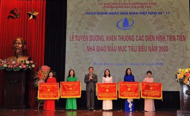Kinh nghiệm từ quận nội thành duy nhất của Hà Nội giải được bài toán sĩ số ảnh 8