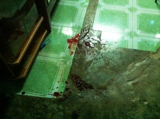 Giết vợ tại nhà, ra đầu thú với bộ quần áo đầy máu ảnh 2