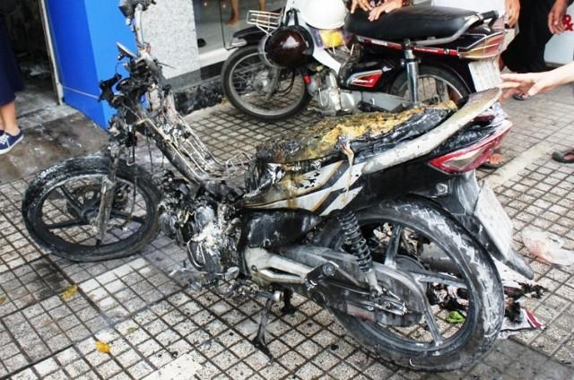 Cháy cửa hàng xe máy, 4 người thương vong ảnh 1