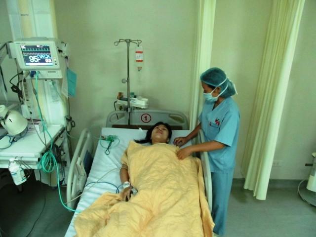 Phẫu thuật thành công khối u dính màng tim ảnh 1