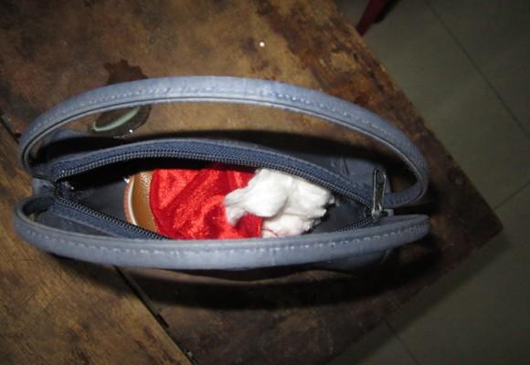 Táo tợn trộm, cướp tiệm tạp hóa giữa ban ngày ảnh 3