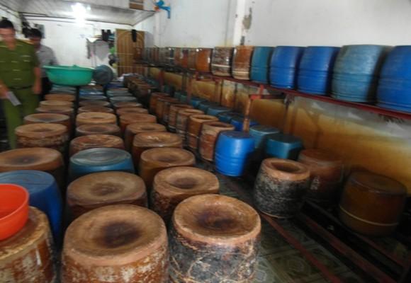 Phát hiện cơ sở sản xuất giá bằng hóa chất và đỗ xanh Trung Quốc ảnh 1