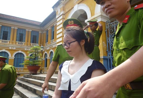 Nữ sinh Trung Quốc mang 2kg ma túy vào Việt Nam lãnh án tù chung thân ảnh 2