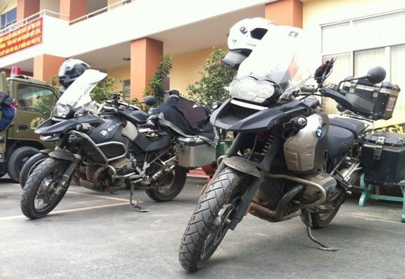 Đoàn mô tô caravan Thái Lan bị chặn, xử lý vì vi phạm an toàn giao thông ảnh 2