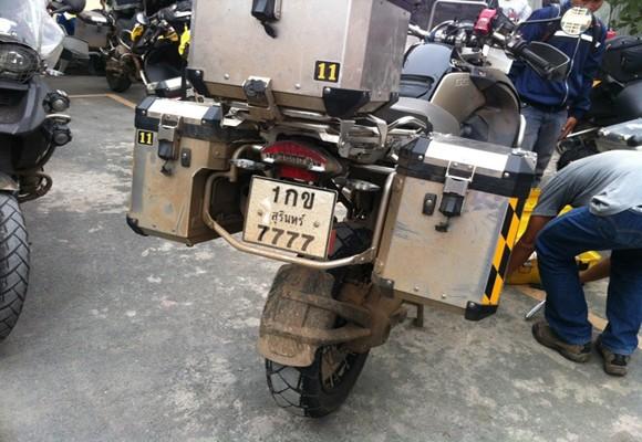 Đoàn mô tô caravan Thái Lan bị chặn, xử lý vì vi phạm an toàn giao thông ảnh 5