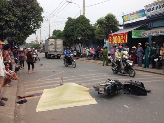 Bị xe tải tông chết sau khi cướp giật? ảnh 2