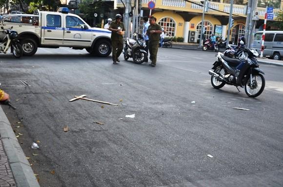 Một người bị đâm chết ngay giữa trung tâm thành phố ảnh 1