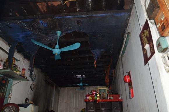 TP.HCM: Cháy nhà 2 tầng giữa trung tâm thành phố ảnh 3