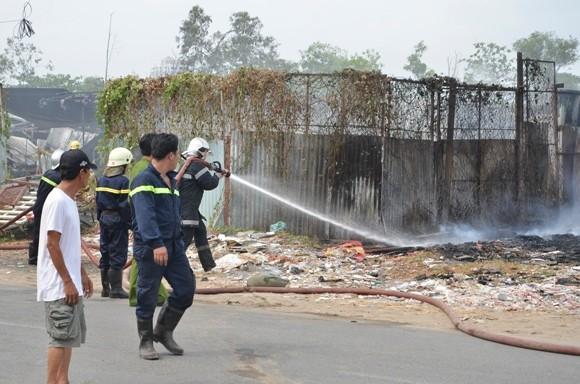 Bị cháy lan, hàng trăm xe máy, ô tô bị thiêu rụi ảnh 3
