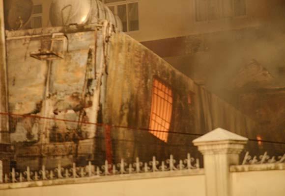 Cháy công ty hoá chất, 15 Cảnh sát PCCC bị thương ảnh 1