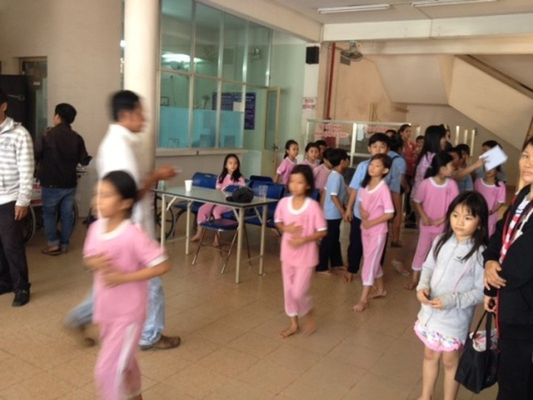 Hơn 50 học sinh tiểu học nhập viện sau bữa ăn trưa ảnh 2