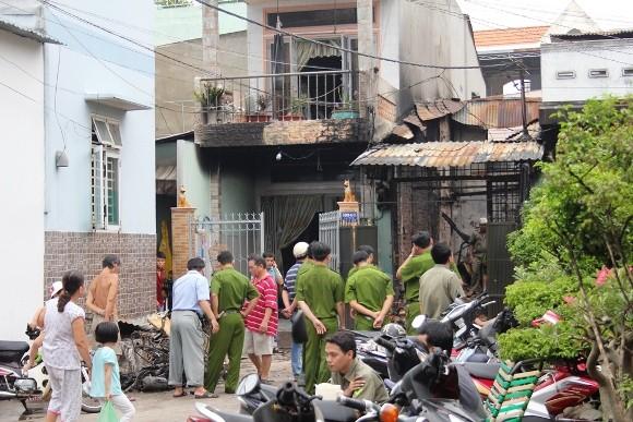 Vụ tưới xăng đốt người tình gây cháy nhà: Do không đòi được 2 lượng vàng? ảnh 2