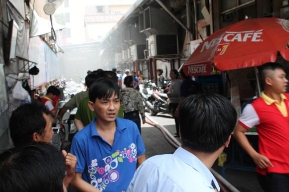 Cháy kho hàng siêu thị giữa trung tâm TP.HCM ảnh 3