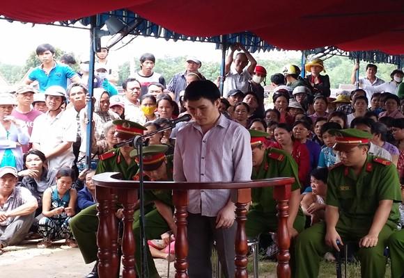 Bị cáo Phạm Văn Thạnh tại tòa lưu động