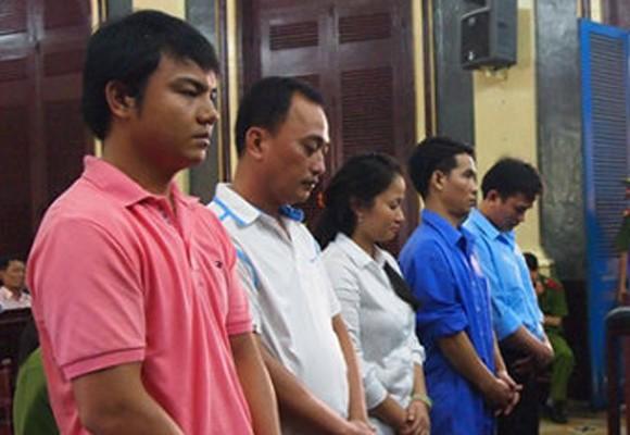 """Ông chủ """"tập đoàn kích dục"""" Tân Hoàng Phát lãnh án 12 năm tù"""
