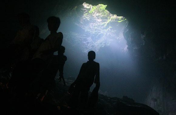 Rợn người xem bể đầu lâu dười chín tầng địa ngục ảnh 6