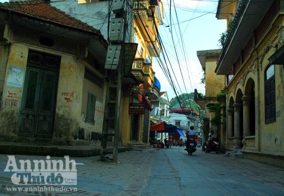 Vào làng Giầu xem con đường độc đáo bậc nhất Việt Nam ảnh 3