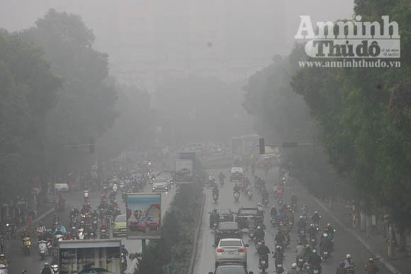 Sương mù dày đặc phủ kín Hà Nội ảnh 11
