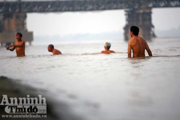 """Nơi những chàng """"Adam"""" trở về cõi thực bên sông Hồng ảnh 5"""