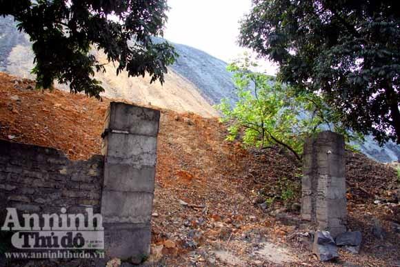 Hãi hùng phải sống dưới chân núi tử thần ảnh 2