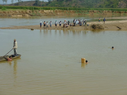 Chìm đò trên sông Krông Nô, 1 người mất tích ảnh 1