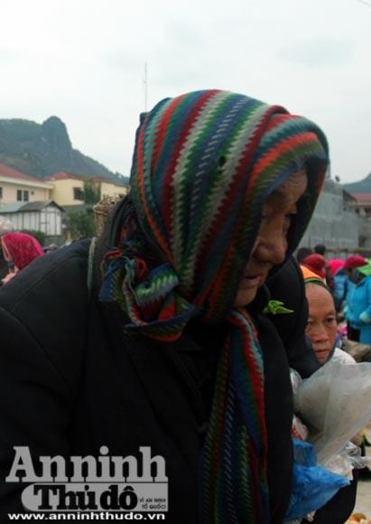 Chiêm ngưỡng thời trang chống rét ở vùng đá núi ảnh 8