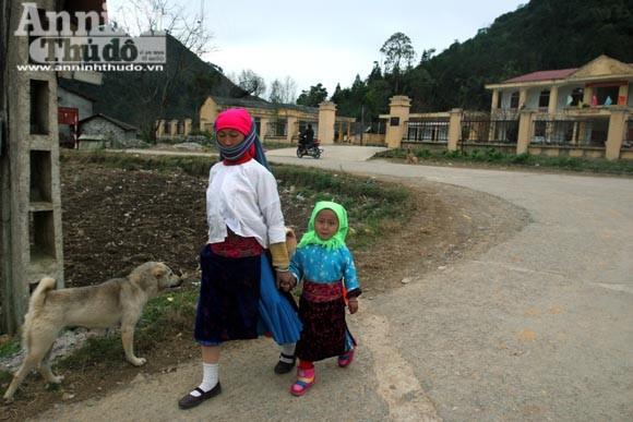 Chiêm ngưỡng thời trang chống rét ở vùng đá núi ảnh 3