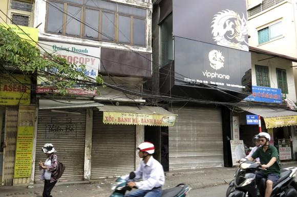 Shop sang trọng đồng loạt đóng cửa vì kinh tế suy thoái ảnh 9
